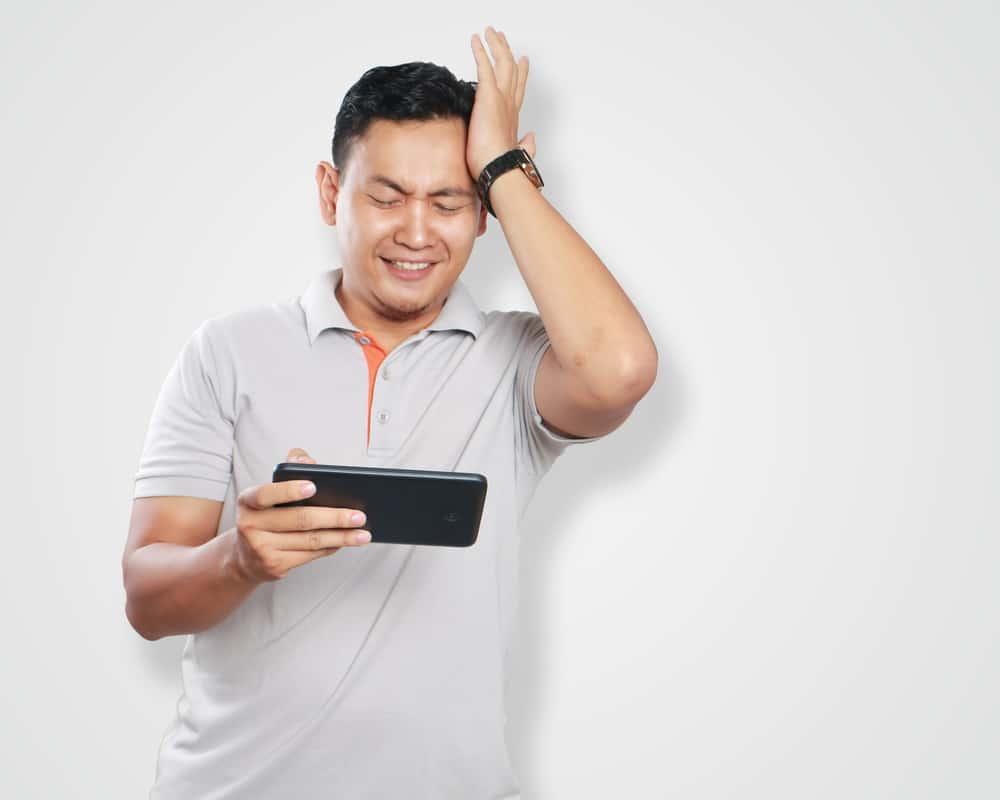 Penggunaan Smartphone Tanda Jeda Bikin Sakit Kepala Berlebihan