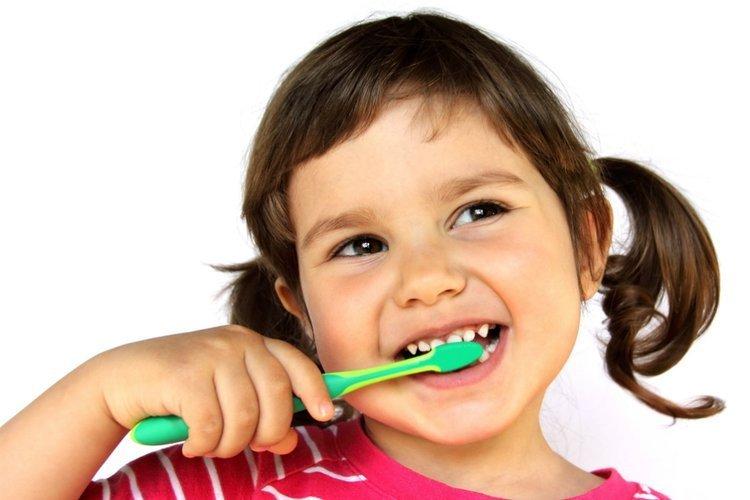 tips memilih sikat gigi anak