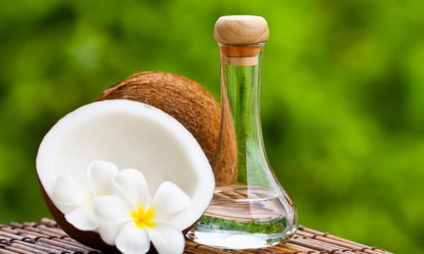 3 Manfaat Minyak Kelapa Bagi Kesehatan Kulit