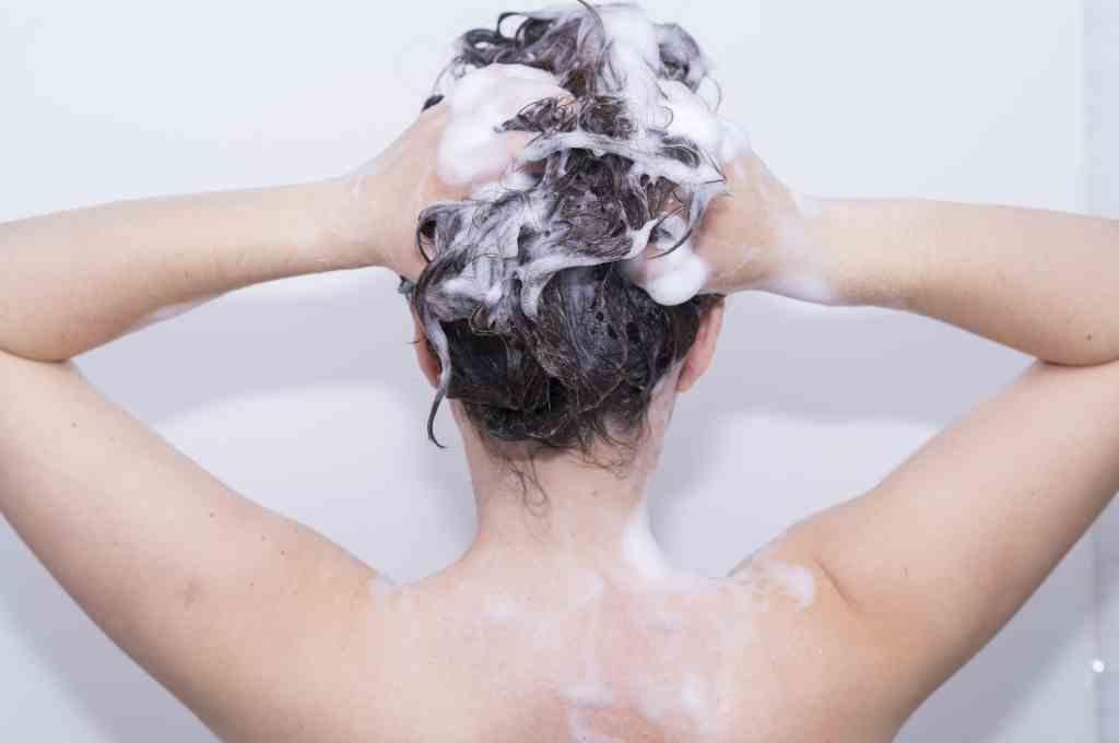 Tanda Kerusakan Rambut Akibat Keramas